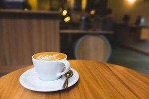 カフェ:儲からない